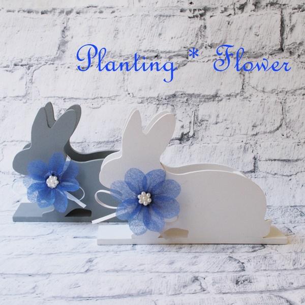 ウサギのダリア。シニアのために開発されたエコなフラワーアート・プランティングフラワー。花束のラッピングペーパーとダンボールで作ります。プランティングフラワー制作がデイサービス、有料老人ホーム、小規模多機能施設等で機能訓練にもなります。